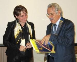 La dr.ssa Concetta Mirisola con il nostro Presidente