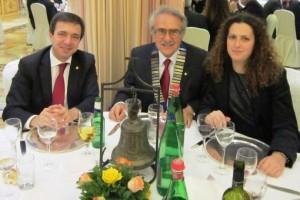 Alla destra del nostro Presidente Il  Governatore Poddighe e alla sua sinistra il Presidente del RAC Roma Nord Ovest Ilana Habib