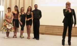 Simone Di Pasquale  con Victoria Martin, Daniela Ayala, Kenia Anaya Pons e Giada Giacomoni