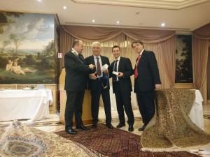 Il dott. Visconti  assieme al figlio Marco con il nostro Presidente e Orazio de Lellis